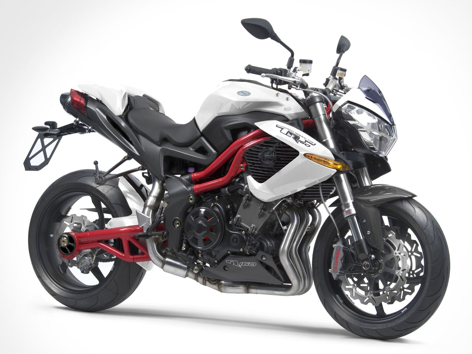 Benelli_Cafe_Racer_1130_White